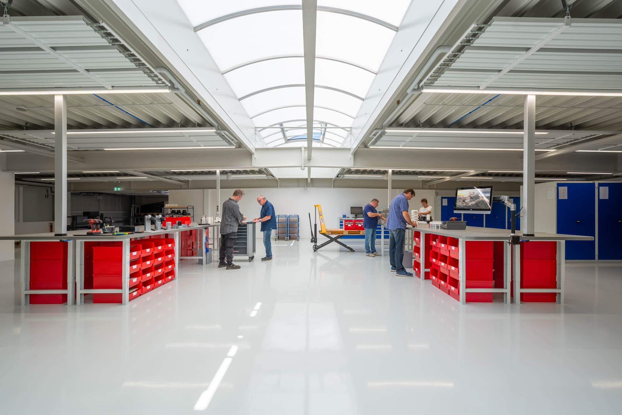 Derksen Lichttechnik Produktionshalle