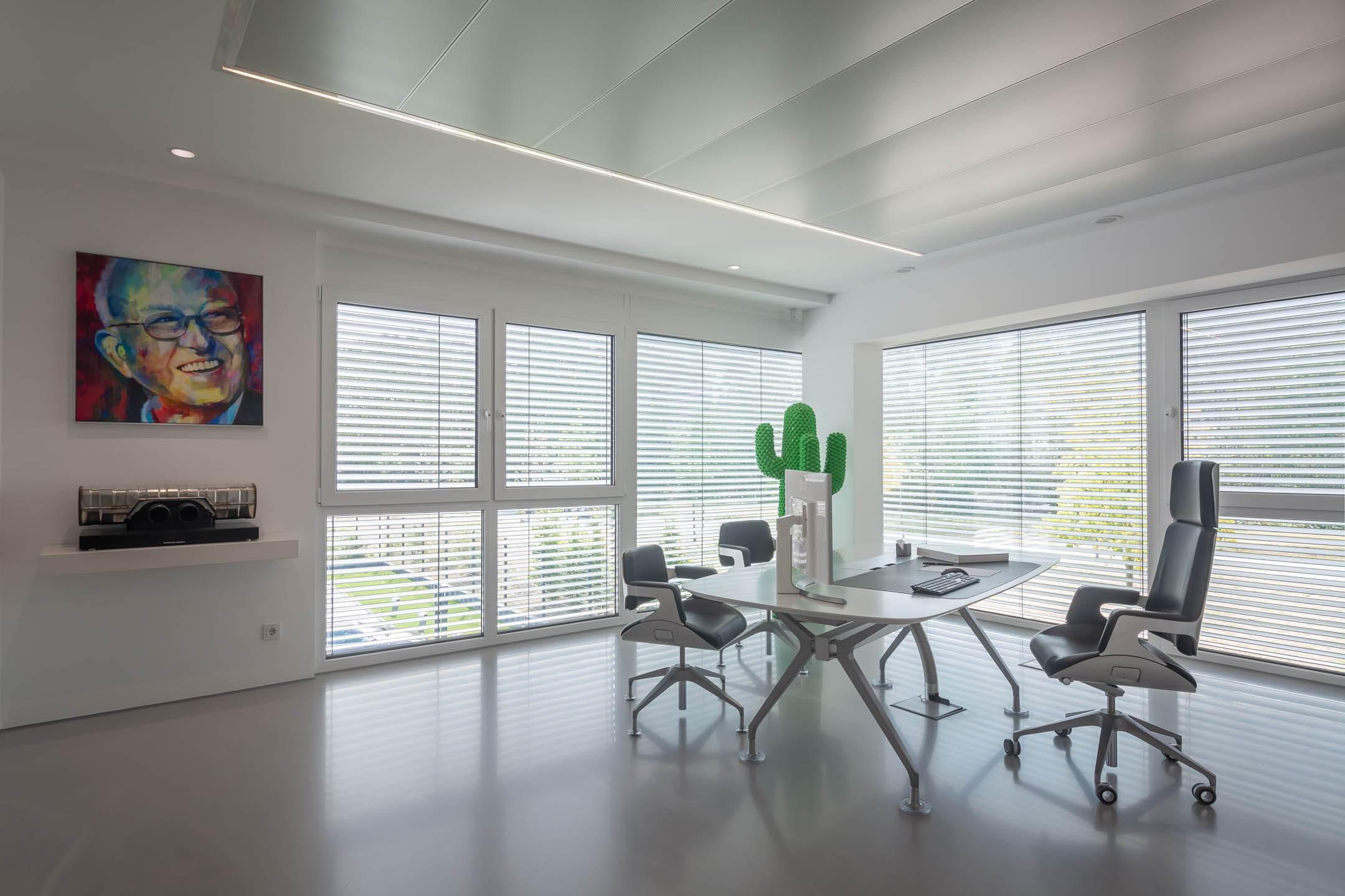 Derksen Lichttechnik - Büro Geschäftsleitung