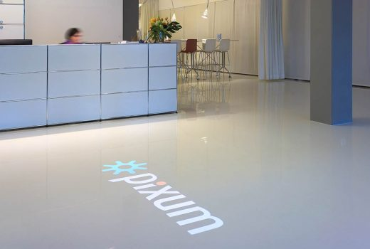 Logoprojektion im Pixum Firmensitz