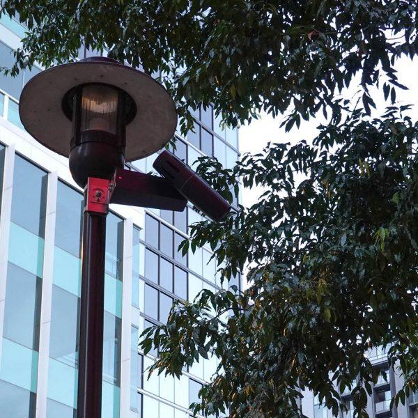 Projektion vor einem Restaurant in Brisbane