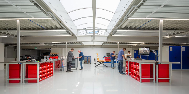Produktionshalle bei Derksen Lichttechnik GmbH