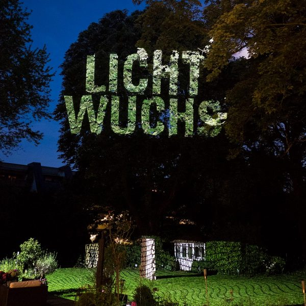 Light installation by Hartung and Trenz in a garden