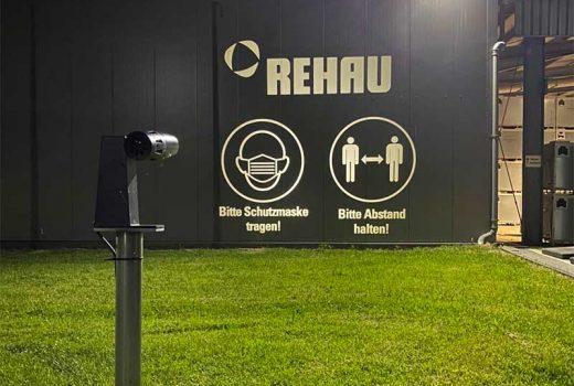 Infektionsschutz: das REHAU Werk in Brake